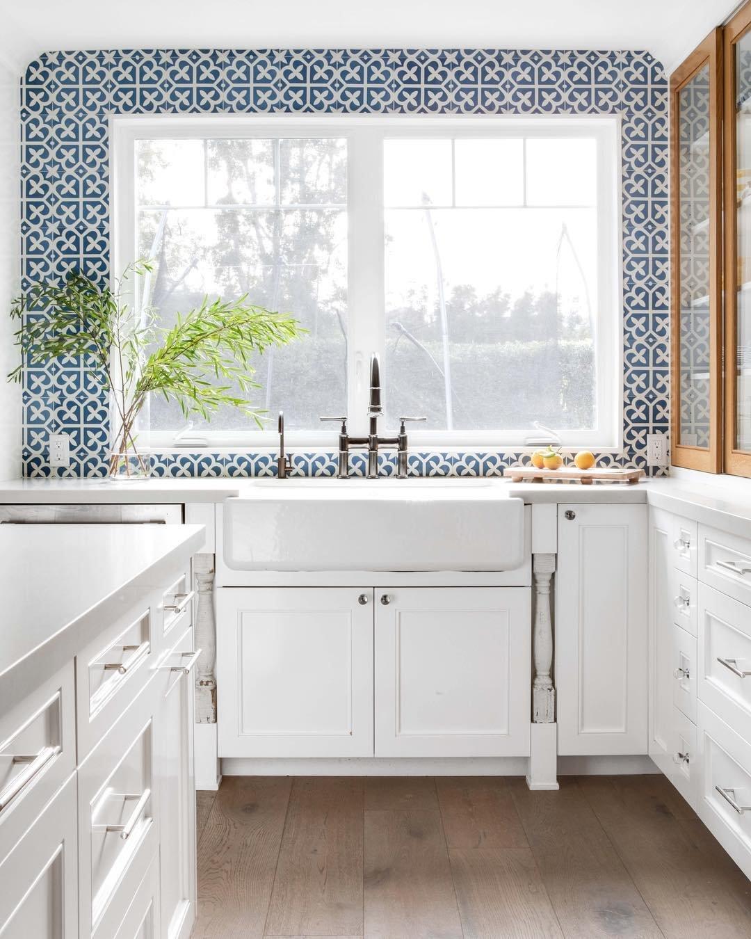 Pattern Tile Picasso Bloom Baby Blue 200×200 Matt