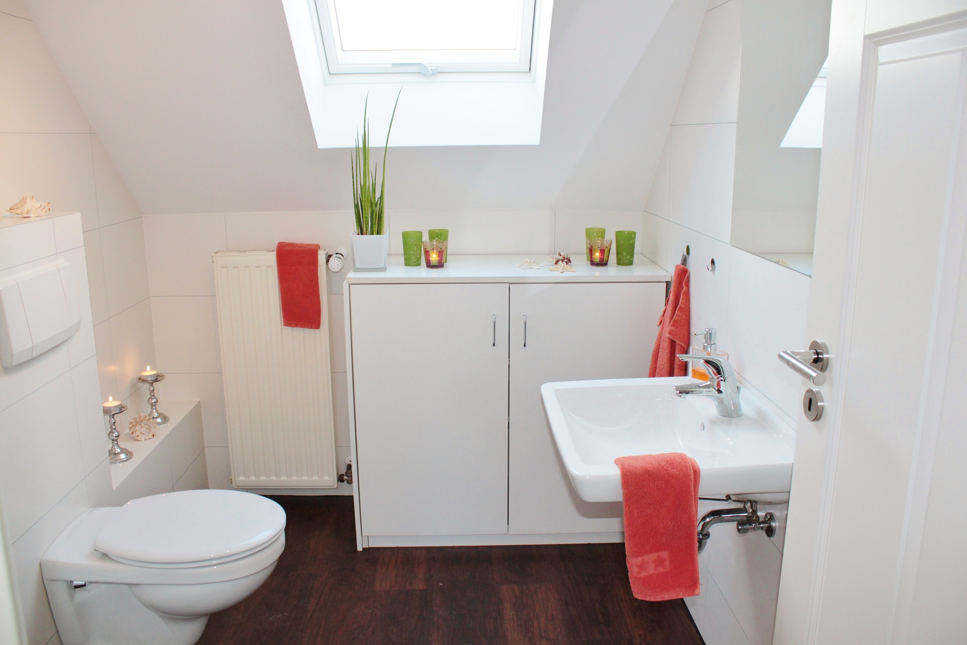 What Type of Tiles Are Best For a Small Bathroom?   Tilemall Australia